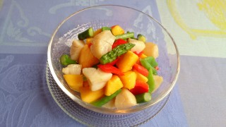 オリーブオイルレシピ第1弾!簡単マンゴーとホタテのサラダ