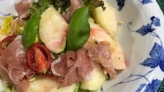簡単でお洒落な桃と生ハムの冷製パスタの紹介