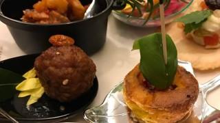 彩り鮮やかな菊花を使った薬膳料理をご紹介